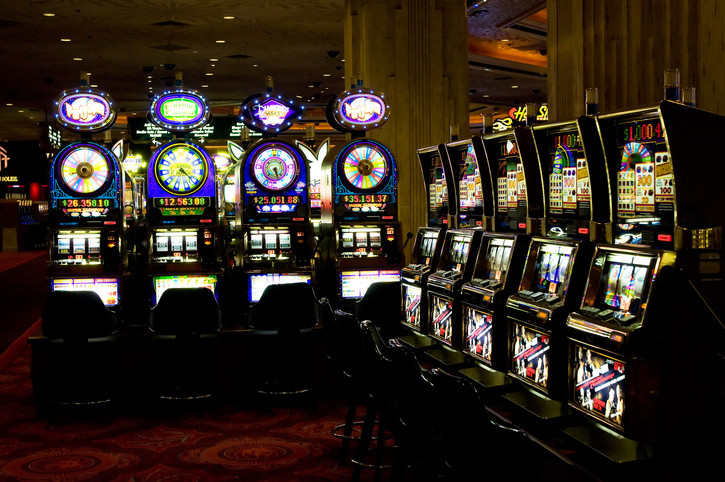 Fruit machine online casino games